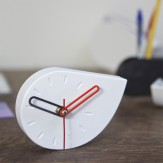 DROPA desk clock